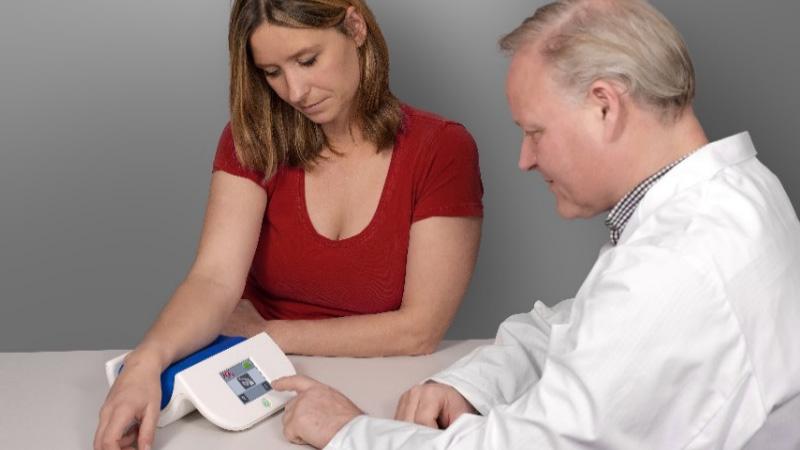 AGE Reader mu:非侵襲最終糖化生成物測定器